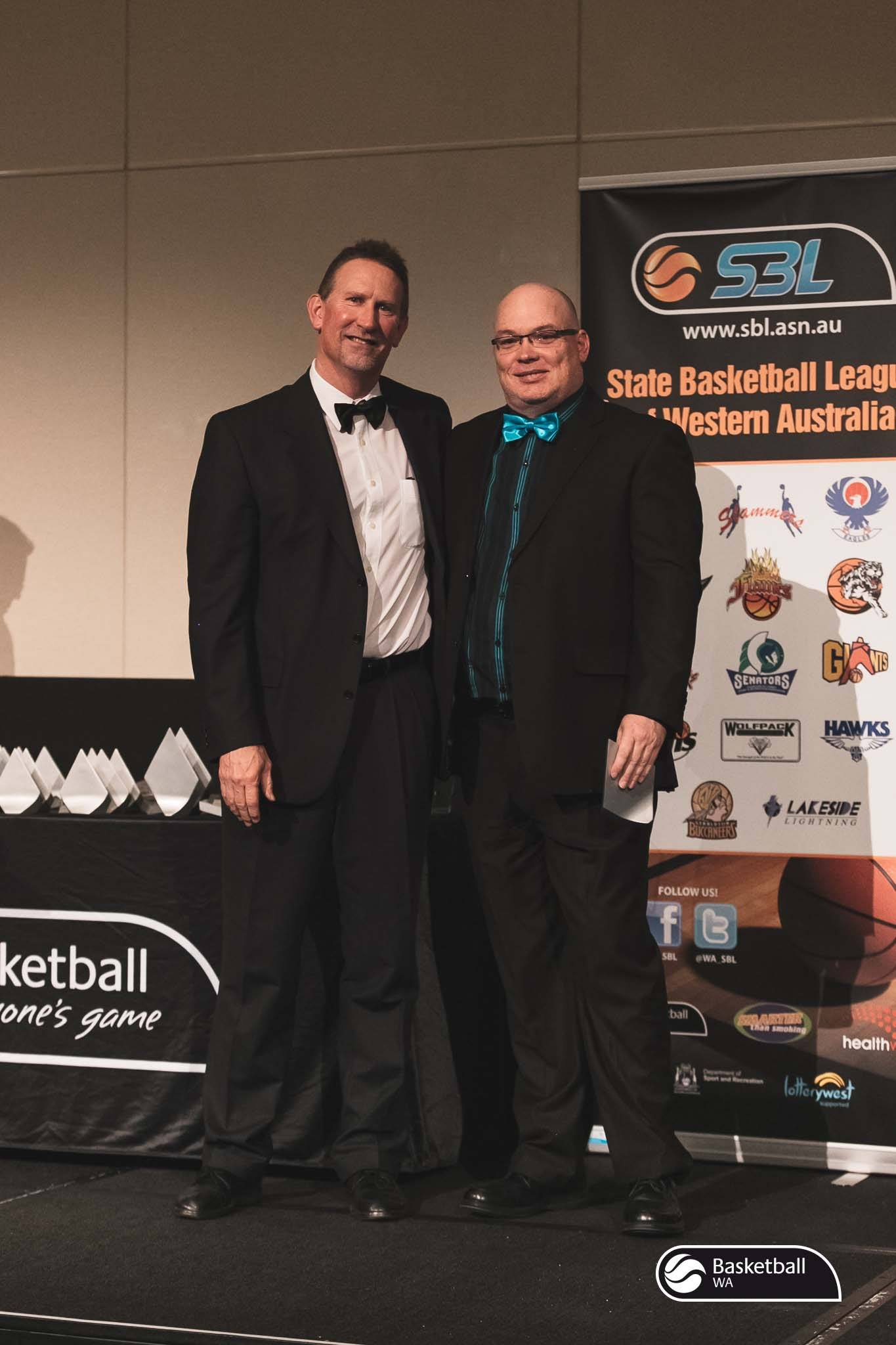 Giants' SBL Operations Manager Brad French receiving his award. Photo: Courtesy of Basketball WA